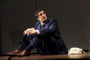 Jason Biggs as Scoop.  Photo by Joan Marcus