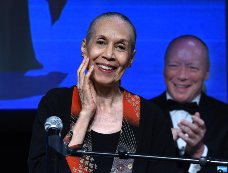 Carmen de Lavallade, Killen Award for Outstanding Contribution to Connecticut Theater.  Photo byrMara Lavitt -
