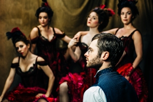 Bobby Steggert as Henri Toulouse-Lautrec and members ofo the cast. Photo by Emma Mead