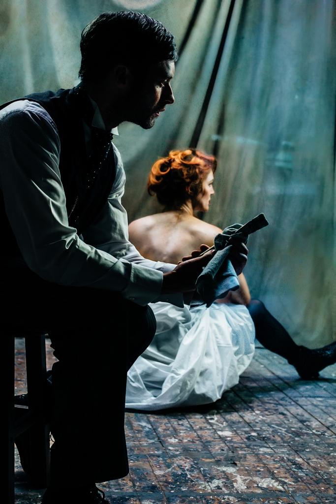 Bobby Steggert as Henri Toulouse-Lautrec and Mara Davi as Suzanne Valadon. Photo by Emma Mead.