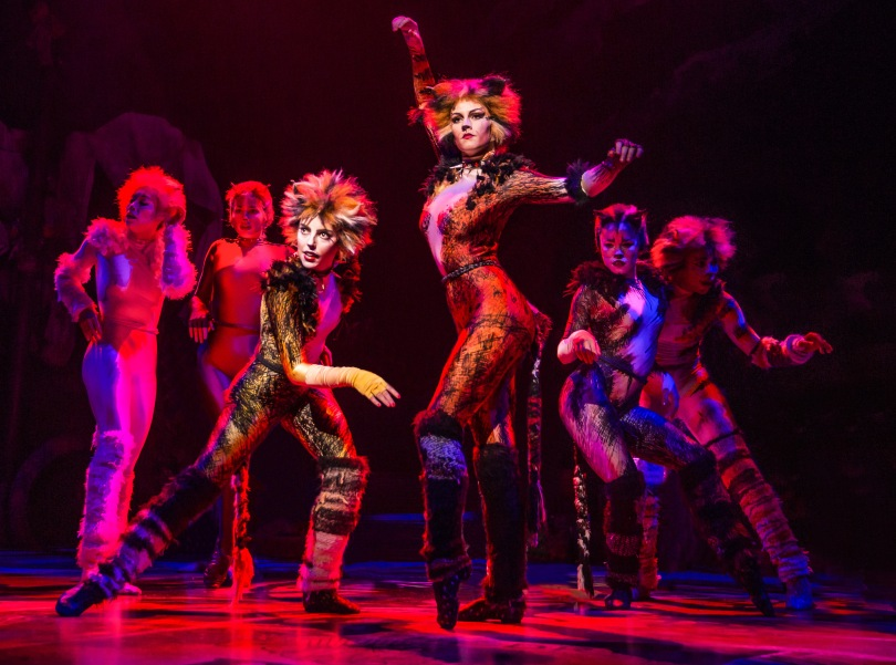 cats-kim-faure-as-demeter-and-christine-cornish-smith-as-bombalurina-by-matthew-murphy_edited